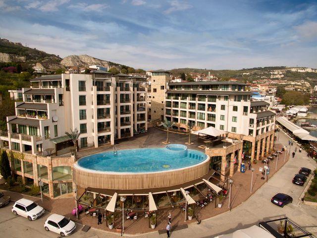 Marina City Hotel